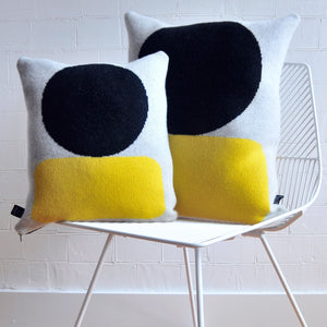 ELLSWORTH CUSHION IN YELLOW
