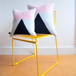 ELLSWORTH CUSHION IN PINK