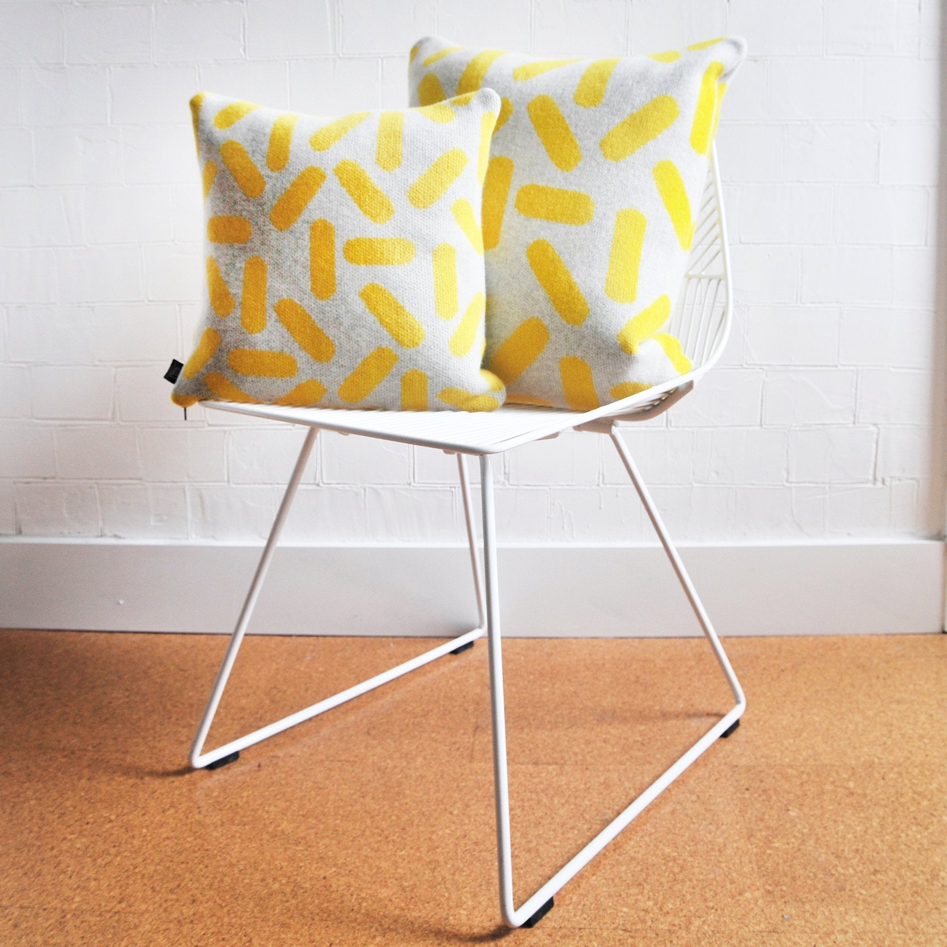 TIC-TAC CUSHION IN GREY AND YELLOW