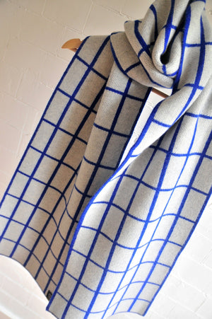 GRID SCARF WIDE IN GREY AND BLUE