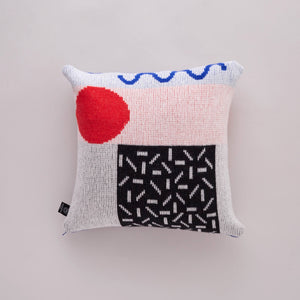 ETTO CUSHION IN BLACK AND RED