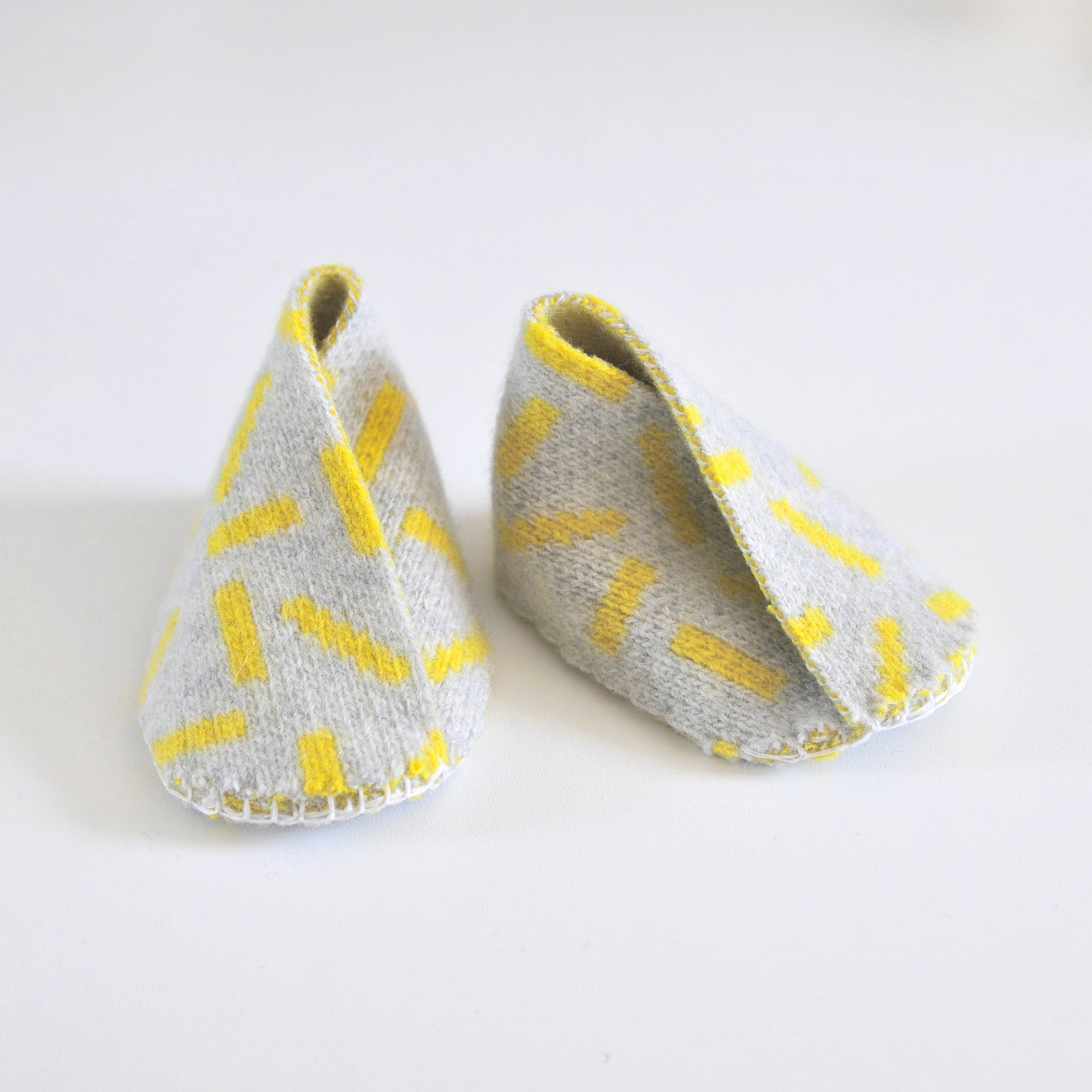 DASH BABY BOOTIE IN GREY AND YELLOW