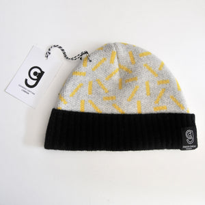 DASH BABY HAT IN GREY AND YELLOW
