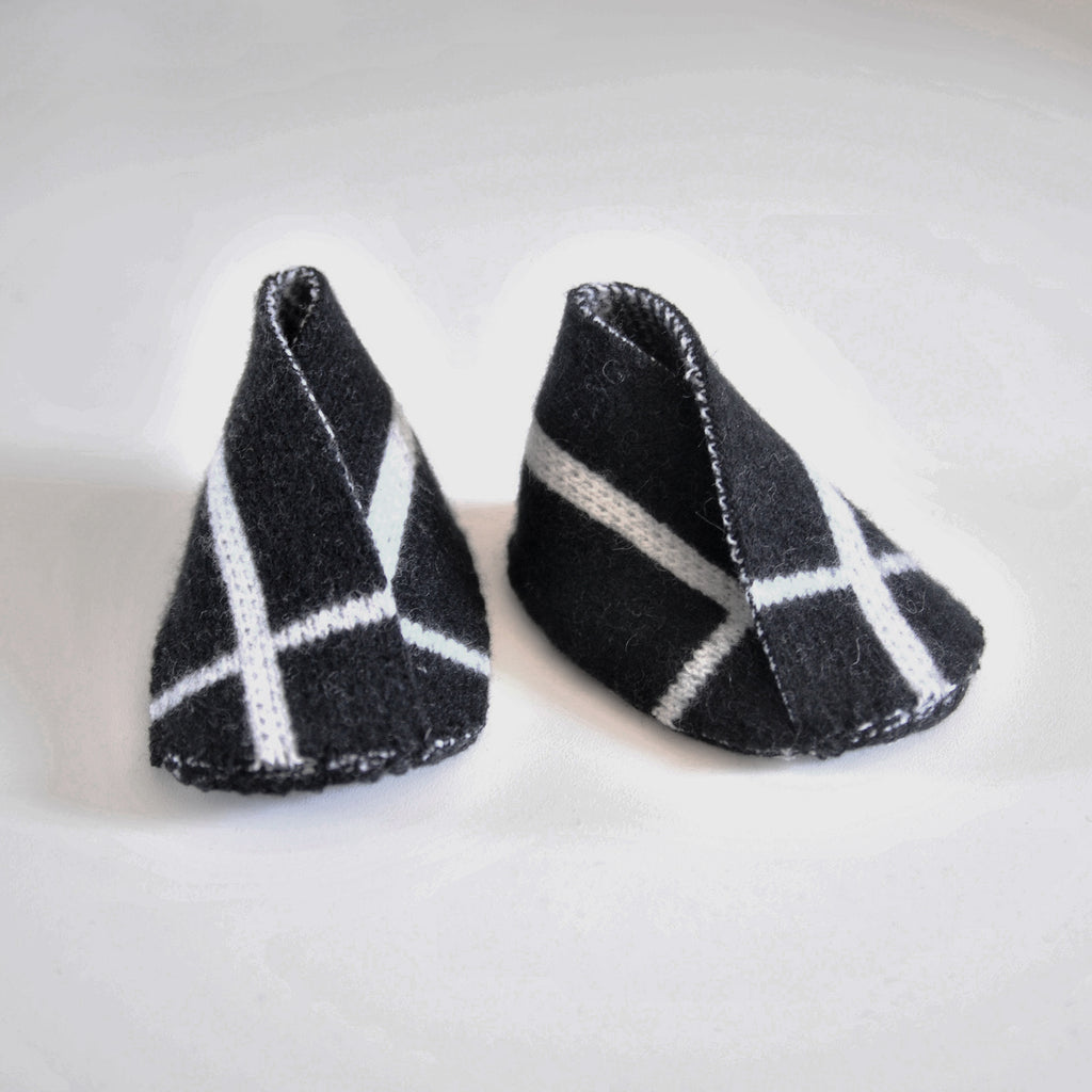 GRID BABY BOOTIE BLACK & WHITE