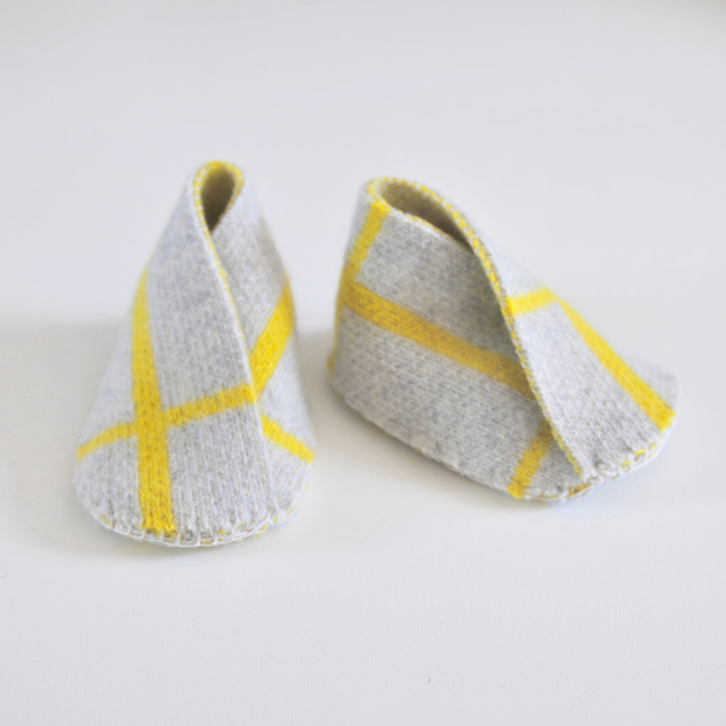 GRID BABY BOOTIE IN GREY AND YELLOW