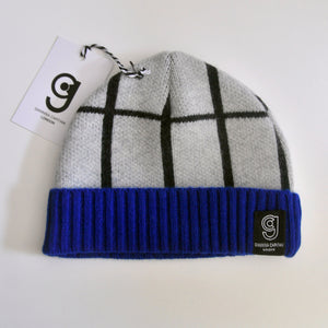 GRID BABY HAT IN GREY AND GREY