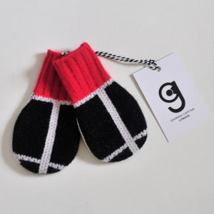GRID BABY MITTEN IN BLACK AND WHITE