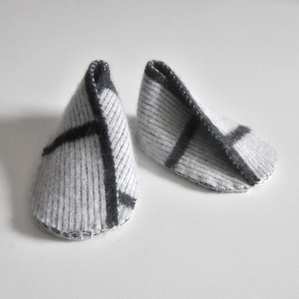 GRID BABY BOOTIE IN GREY AND GREY