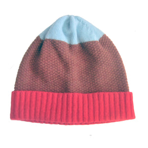 MOSS STITCH HAT IN RED/BROWN/AQUA
