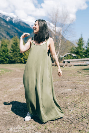 BETWIXT MAXI DRESS