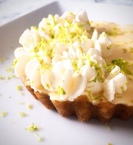 Keto low carb sugar free key lime no bake cheesecake with whipped cream