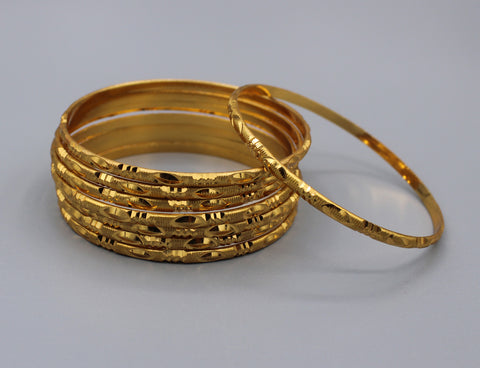 Traditional gold plated Bangles (Pack of 8 Bangles) D4
