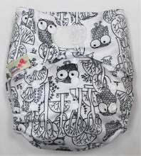 Load image into Gallery viewer, Owl Hook & Look Modern Cloth Nappy