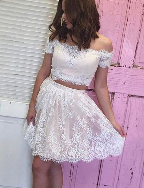 Off the Shoulder White Tulle Short Homecoming Dresses with Appliques S436