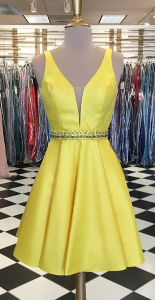 Cute A-line Short Yellow Homecoming Dress S589