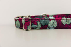 Walk in the Bark Collar: Burgundy Magnolia