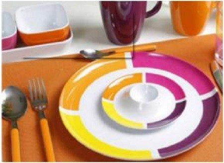 SET PER 6 PERSONE FLAME BRUNCK VIOLA STOVIGLIE IN MELAMINA - AccessoriCaravan.it