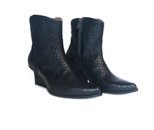Load image into Gallery viewer, Eijk Amsterdam Abby western ankle boots