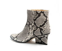 Load image into Gallery viewer, Eijk Amsterdam Denis ankle boot python