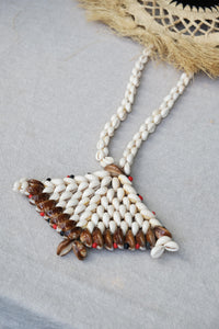 Collier de coquillages de Tahiti - 2