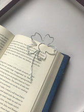 Load image into Gallery viewer, Handmade Flower Bookmark
