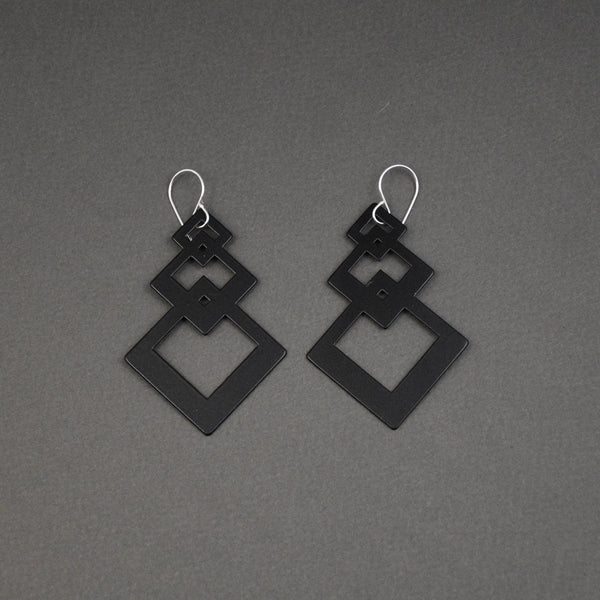 Interlocking Square Earrings - Matte Black