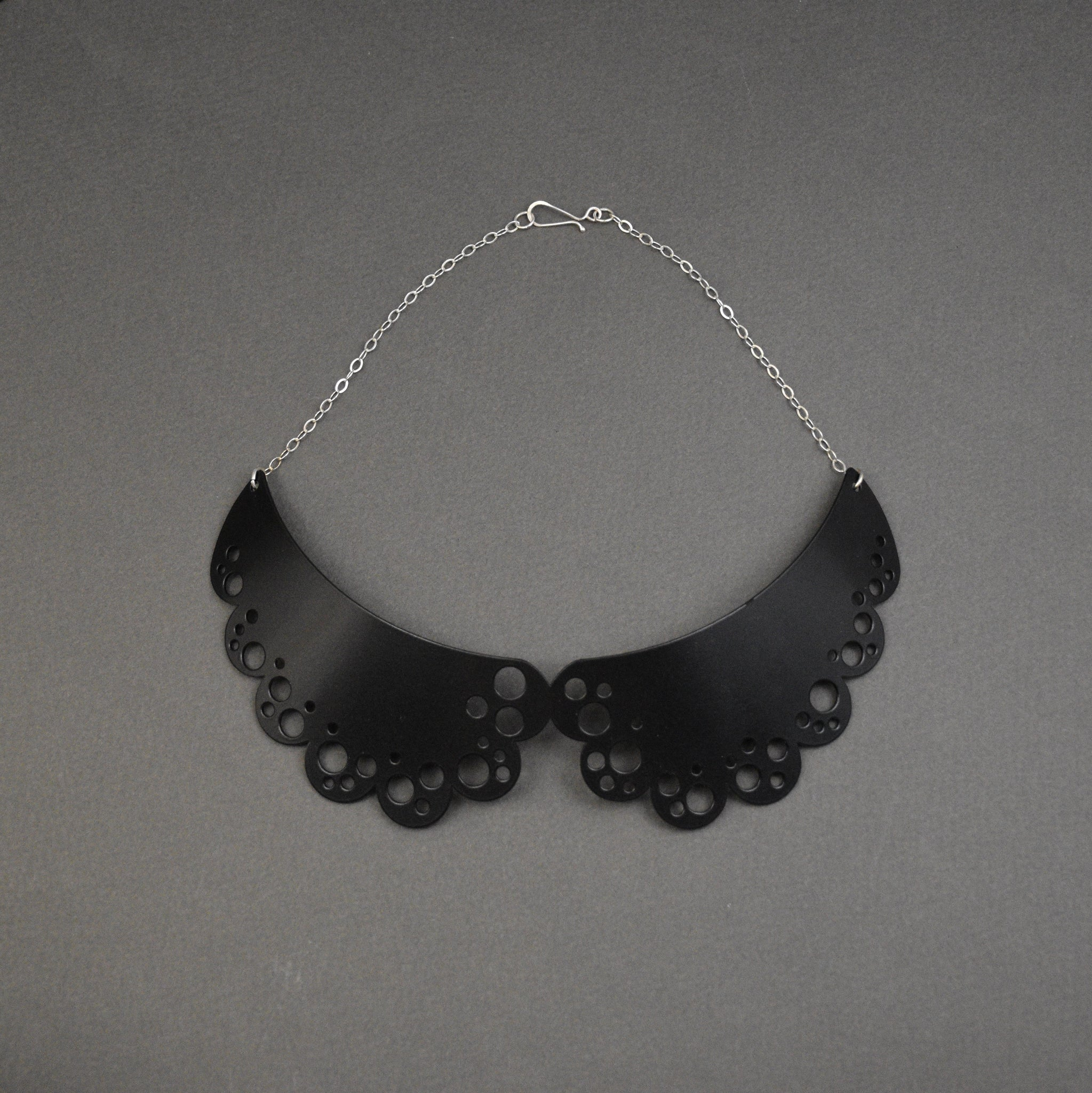 Peter Pan Collar Necklace - Matte Black
