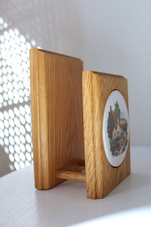 Wooden Napkin Holder with Cottage Picture Insert