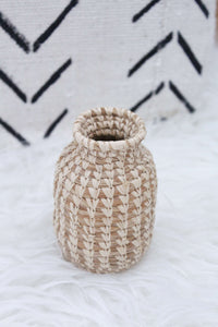 elizabeth o. vintage - wicker vase, room decor