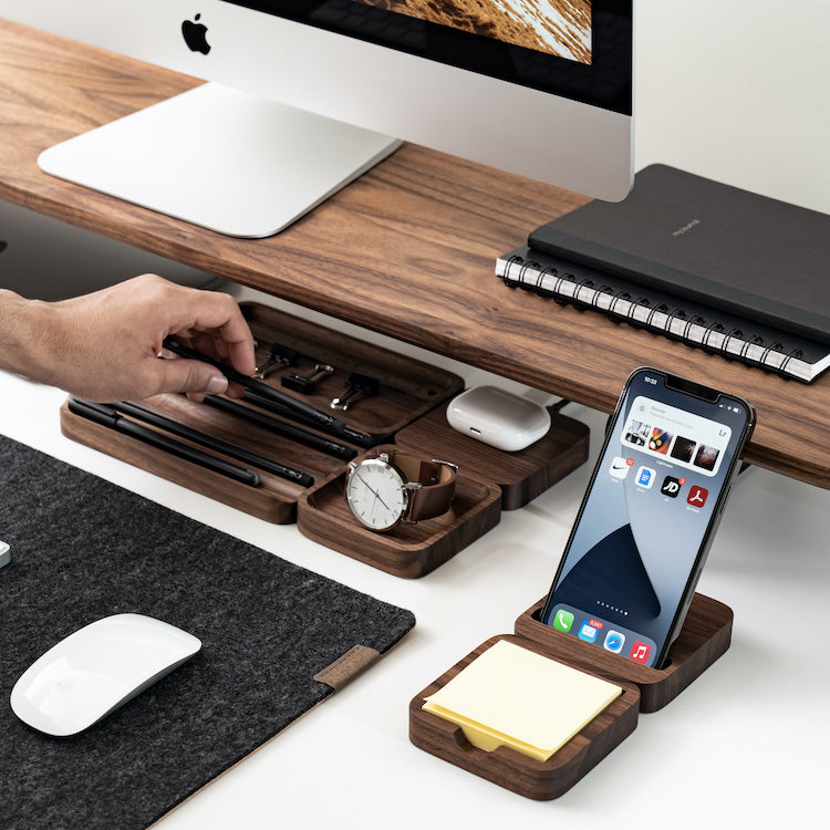 Order, structure, zones. 3 steps to organize your desk