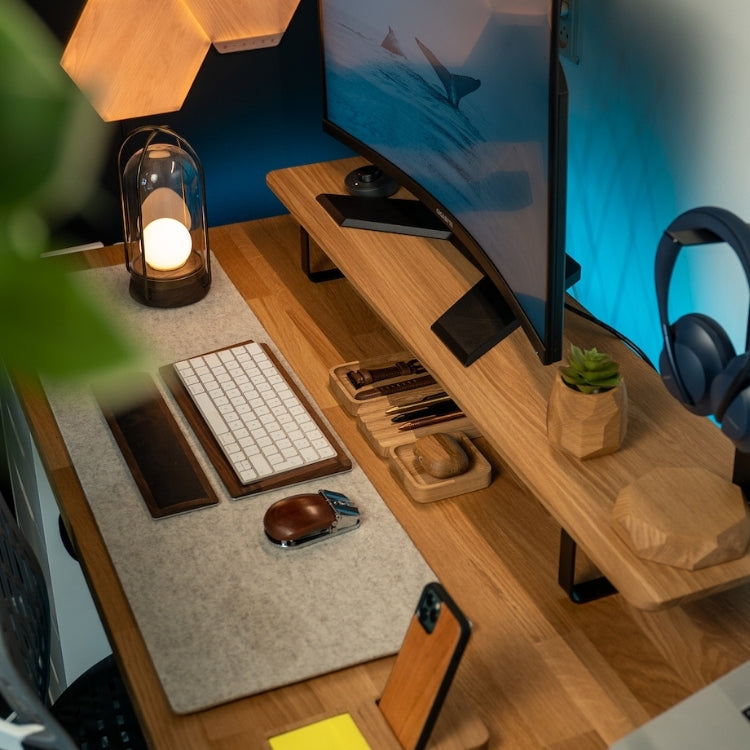 Order, structure, zones. Three steps to organizing your desk