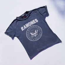 Load image into Gallery viewer, Vtg Ramones T Shirt 6-7yrs