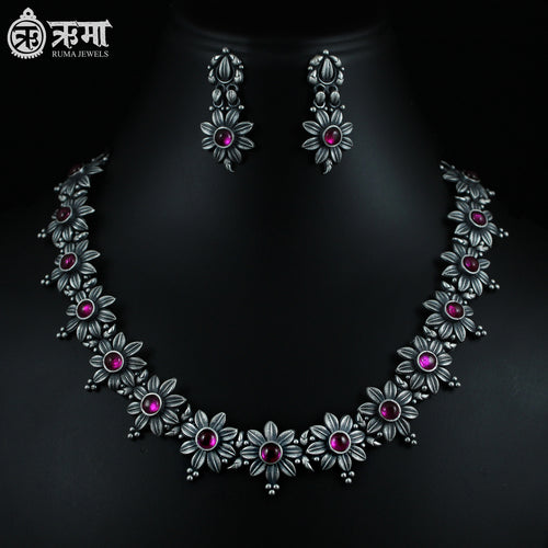 Nargis Flower Necklace