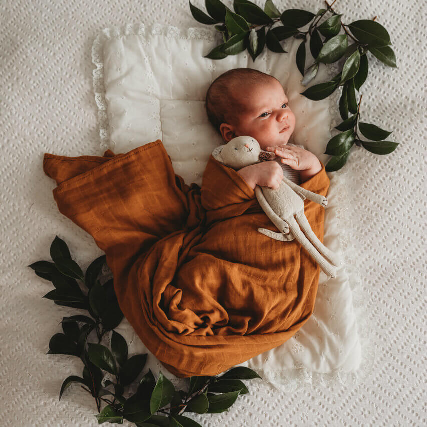 Organic cotton muslin wrap Bronze