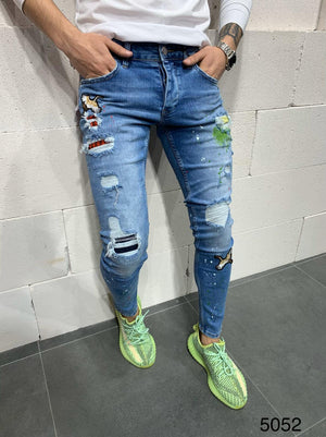 Sneakerjeans Blue Patched Skinny Ripped Jeans AY790