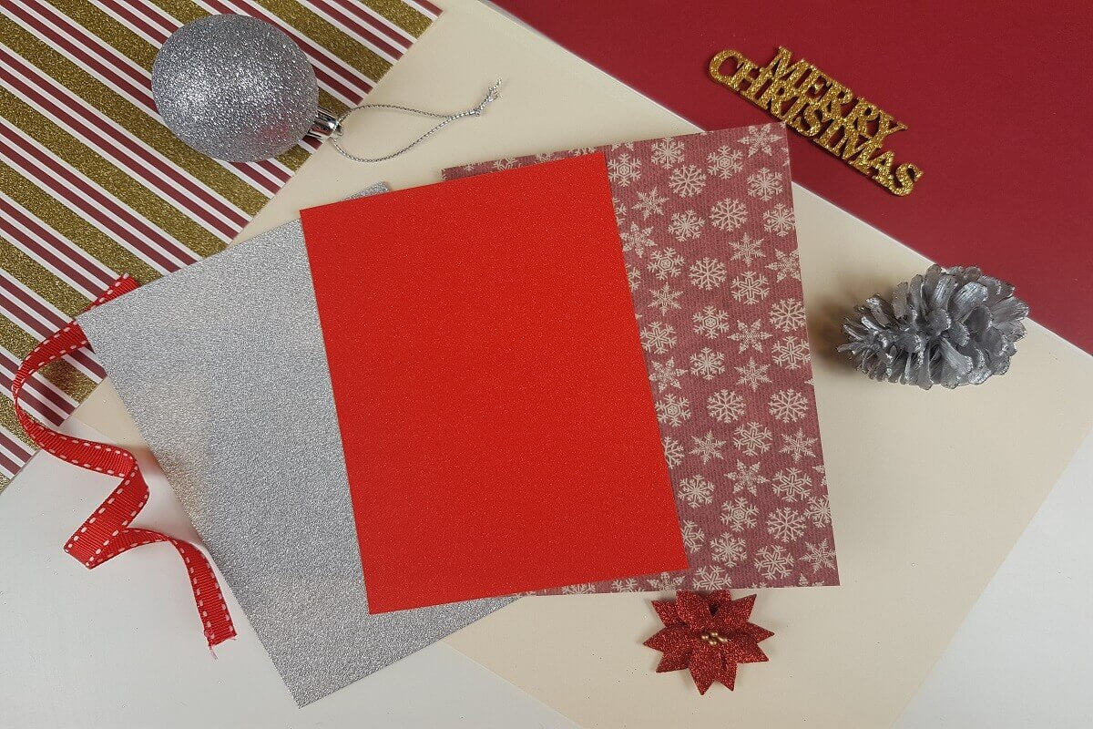 How To Make a 3D Christmas Pop Up Card - picture of cardstock used to this card
