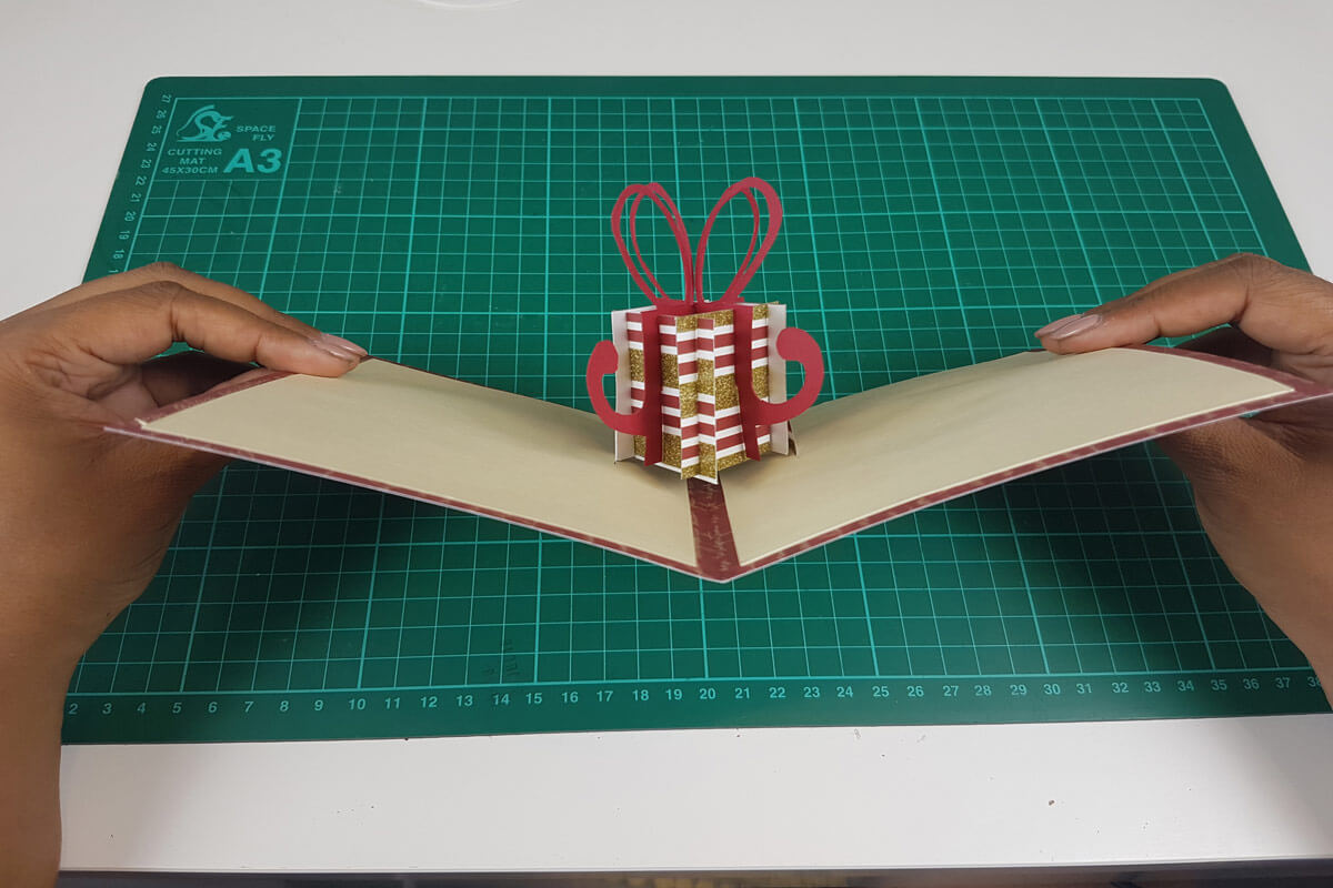 How To Make A Christmas Pop Up Card Tutorial - picture of finished card