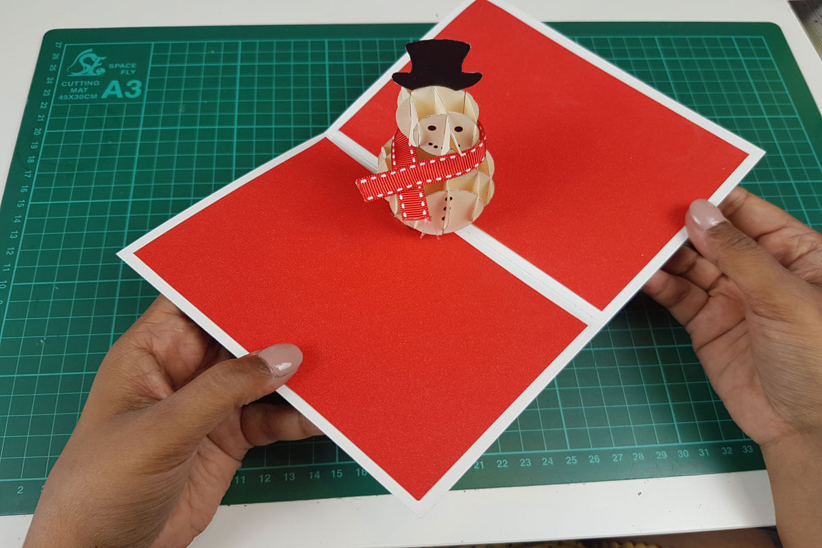How To Make a 3D Christmas Pop Up Card - picture of finished snowman card