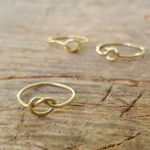 Knot ring in 18 carat gold