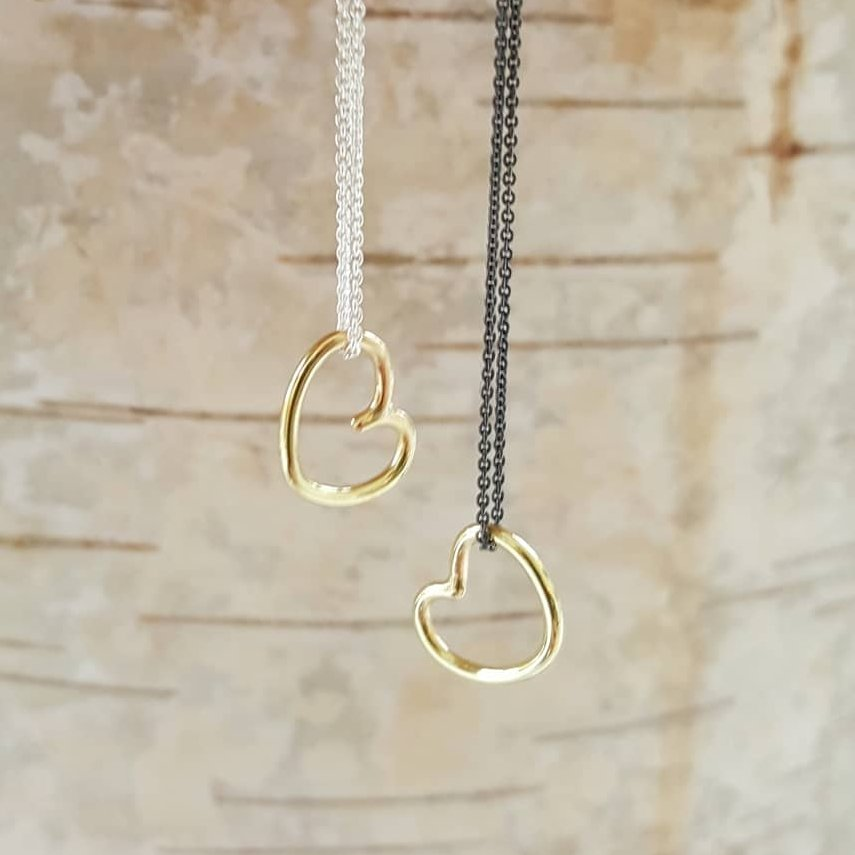 Heart in 18 carat gold with chain