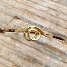Load image into Gallery viewer, Swirl ring 18 carat gold