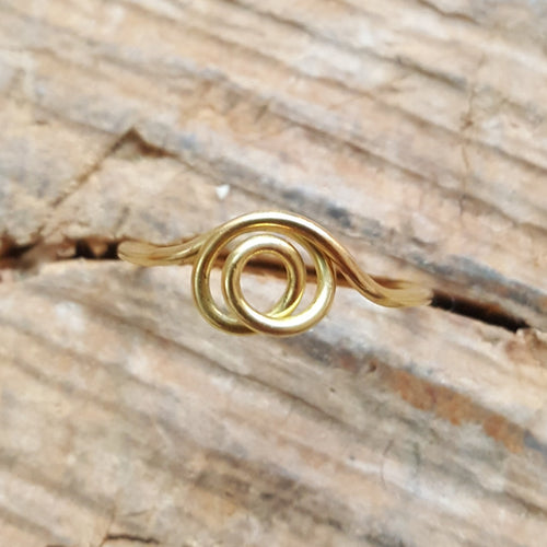Swirl ring 18 carat gold
