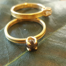Load image into Gallery viewer, Raw Diamond ring in 18ct gold