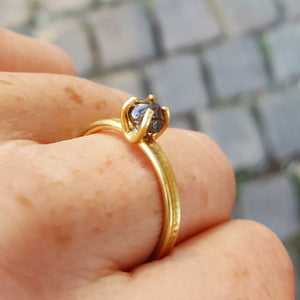 Raw Diamond ring in 18ct gold