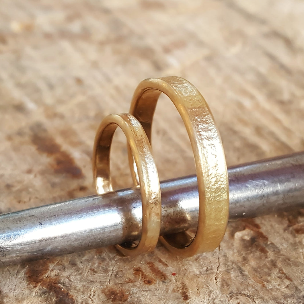 Wedding Bands. The beauty of imperfection - light.
