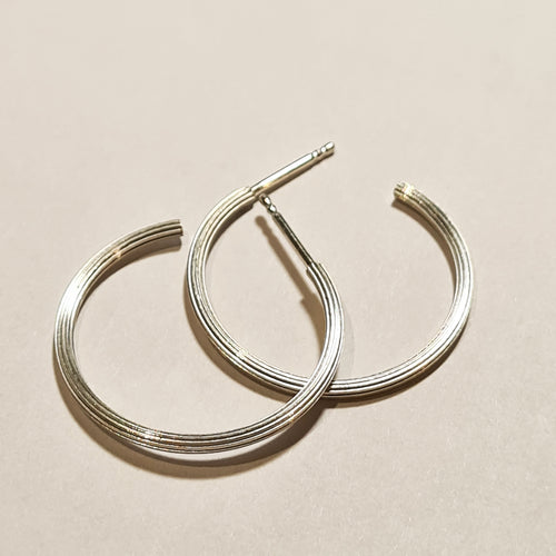 Ribbed hoops silver