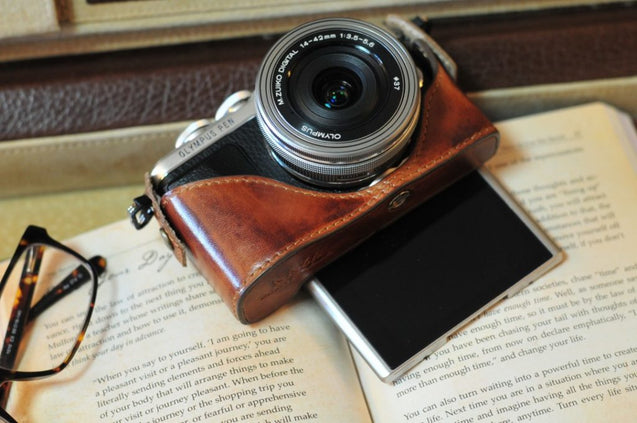Olympus EPL 10 / E PL9 / E PL8 Series Leather Camera Case - kaza-deluxe
