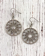 Load image into Gallery viewer, Sunflower Earrings