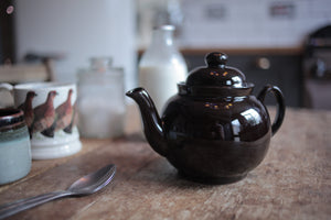 genuine Brown Betty teapot handmade in Stoke-on-Trent, England by Cauldon pottery