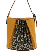 Load image into Gallery viewer, Leopard Pleated Handbag